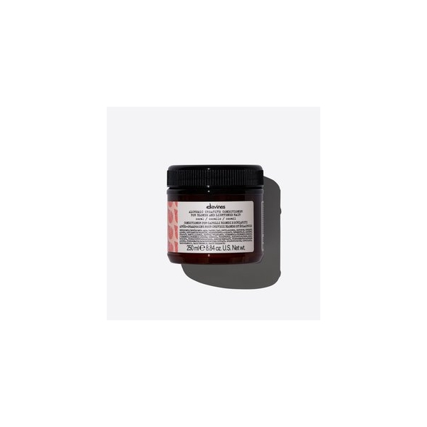DAVINES ALCHEMIC CREATIVE CONDITIONER CORAL.jpg